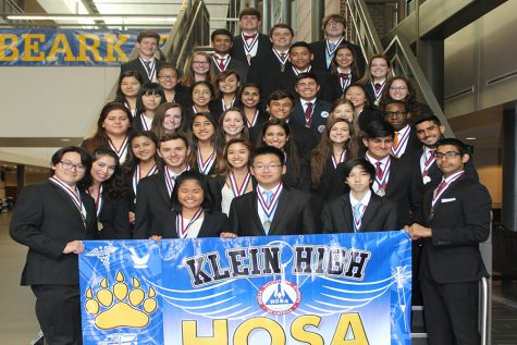 HOSA students lend a helping hand