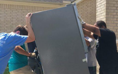 Students Volunteer After Harvey