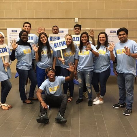 Klein High School Participates in Mock Election