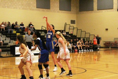 16 Game Winning Streak Ends as Girls Basketball Closes