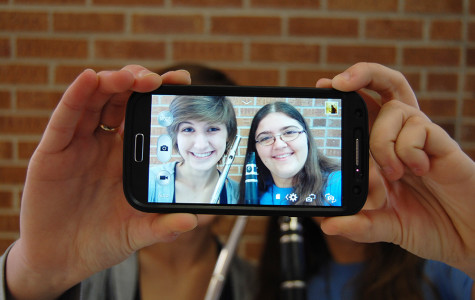 Oxford Dictionary names 'selfie' Word of the Year
