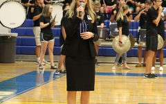Mrs. Haddox address the crowd at Meet the Bearkats.