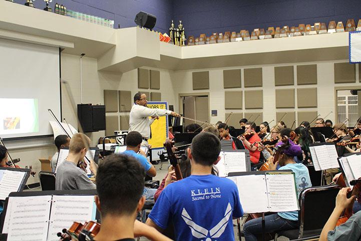 Orchestra+Teacher+Creston+Herron+was+honored+at+KHS+Teacher+of+the+Year.