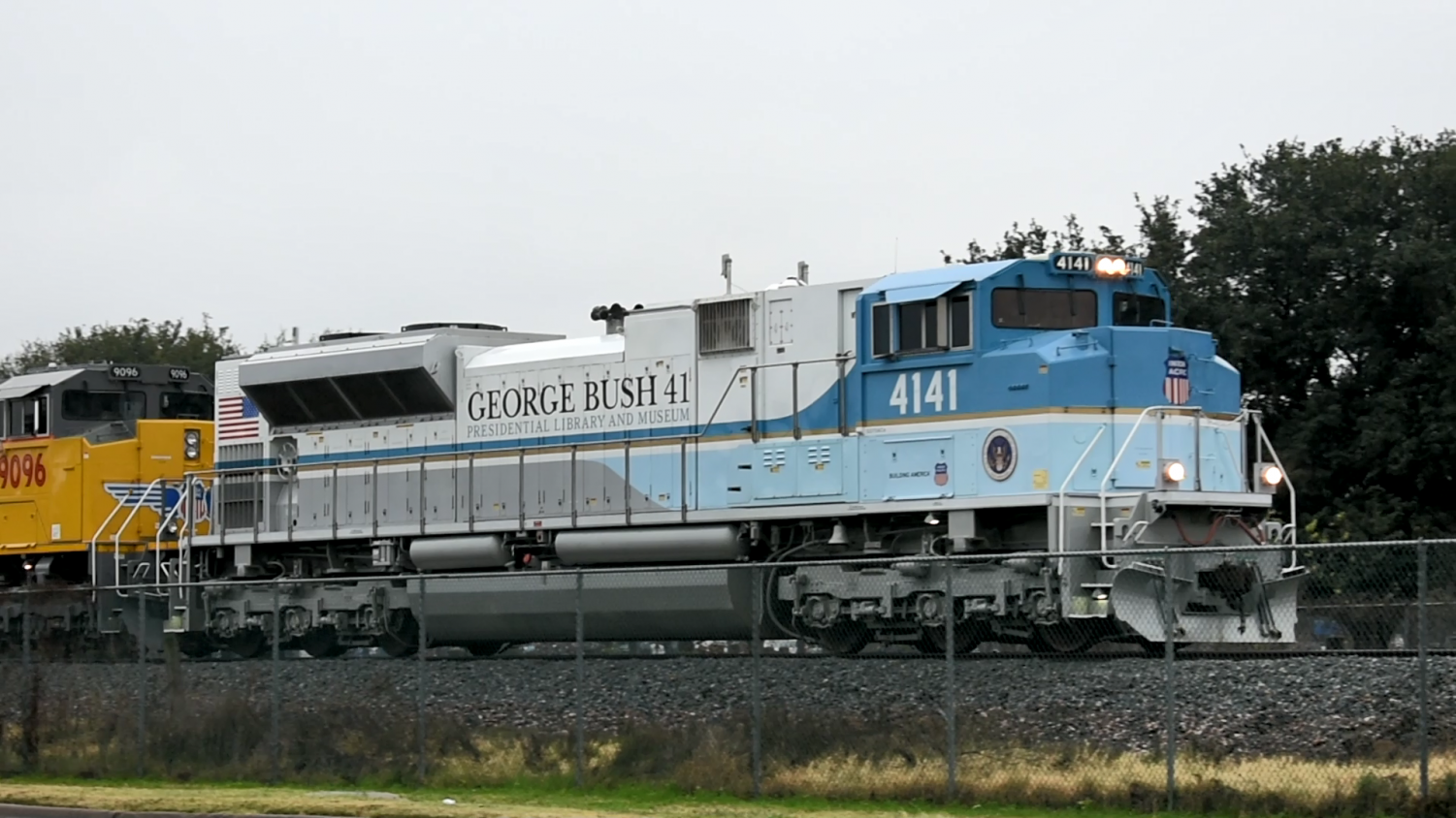 The+Bush+4141+Train+arrives+In+College+Station.