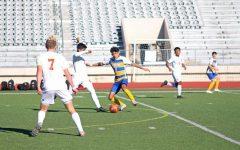 Soccer kicks off season with wins